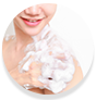 WOW Skin Science Strawberry & Peach Foaming Body Wash gives rich lather